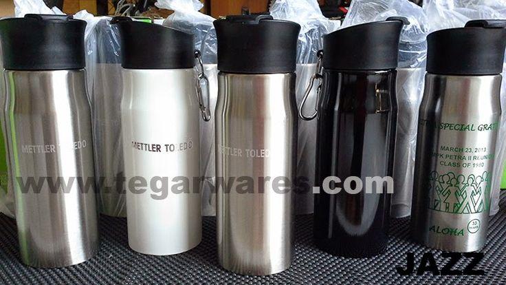 Tumbler tipe Jazz,  Size 22.2 x 7.5 x 7.5cm Capacity: 750ml. Color: Black, White Silver