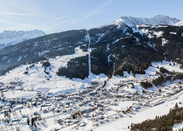 aus der Vogelperspektive... #klockerhof #familiekoch #dashotelfürentdecker #zugspitzarena #tirol #winter #schnee