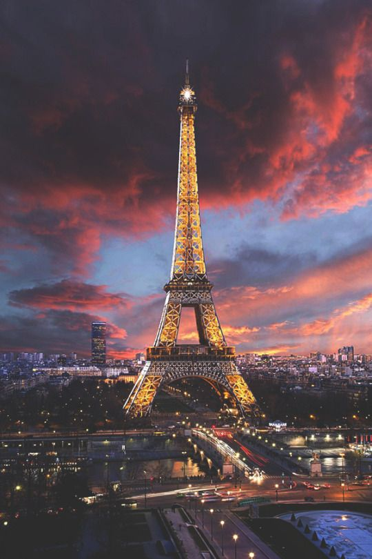 Somptueuse Tour Eiffel by: Laurent Smith