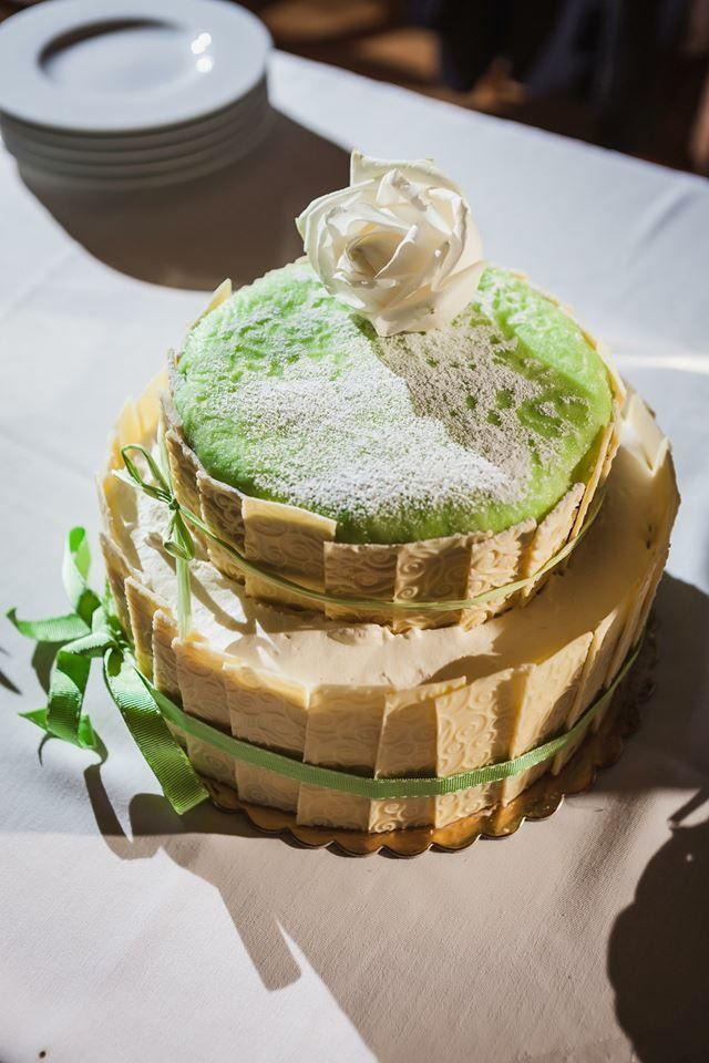 Čokoládovo-čokoládový svatební dort. Jeden z mých prvních, nostalgie:)