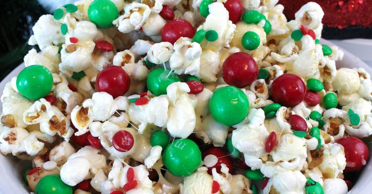 Santa Crunch Popcorn - this sweet and salty Christmas Treat is delicious, easy to make and will be very popular with kids and adults at your Holiday party.