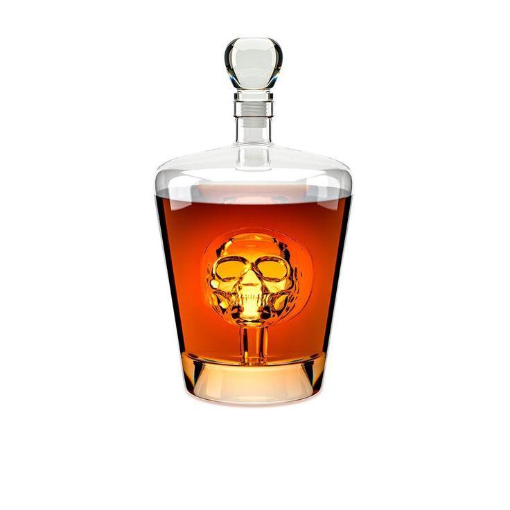 Carafe à liqueur Poison - Whisky, rhum, vodka, gin et cognac… Vos liqueurs favorites ont désormais un écrin d'exception ! En verre, cette carafe à décanter qui contient une tête de mort à l'intérieur est l'accessoire idéal pour tous les amateurs de boissons. Décorative et fonctionnelle, elle établit un esprit ludique et sculptural qui ne laissera pas indifférent...