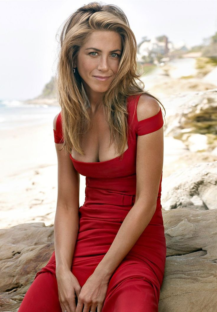 Jennifer Aniston busty bad posture in a red dress ...