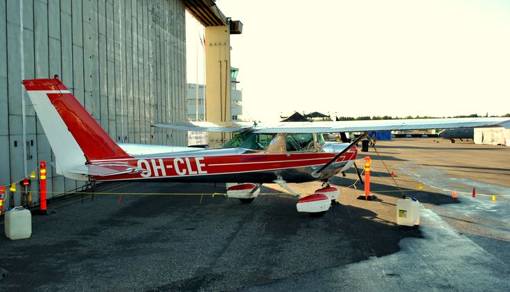 Cessna C152 OH-CLE