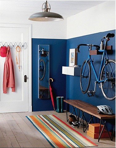 entry / bike/ hang
