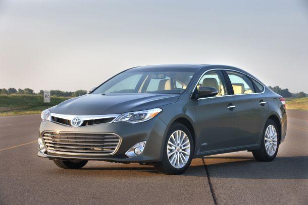 Toyota Avalon 2013.
