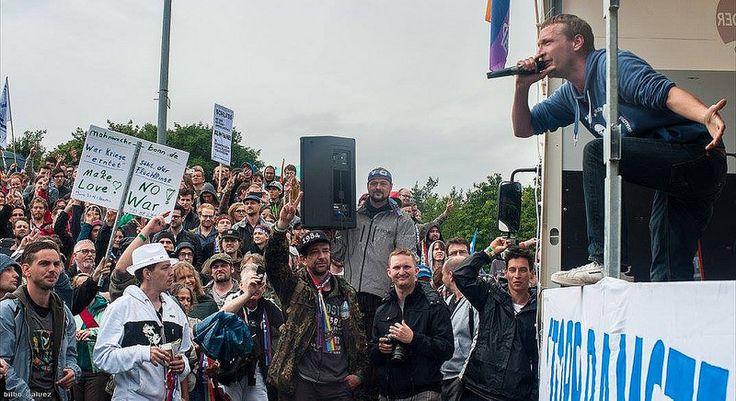 Kilez More Live auf der Stopp Ramstein Demo 2016