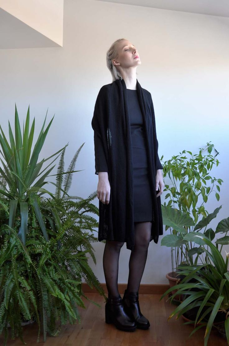 Aroma30 - Minimal chic Cashmere long scarf / Black outfit