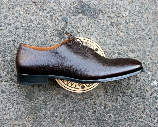 Win it / In Review: Taft Made in Spain Shoes  Taft Shoes (via Huckberry) $179.98  $199.98 ($250)  Taft who? As in William Howard?  Probably not. President Bathtub was more of a Doc Martens silhouette. These are anything but.  Turns out Taft has been around since 2013and is one of the many many direct to consumer brands claiming theyll save you lots of cashby avoiding the traditional retail system. No markups no fancy marketing bla bla !!bar graph!! bla bla bla. But unlike many direct to…