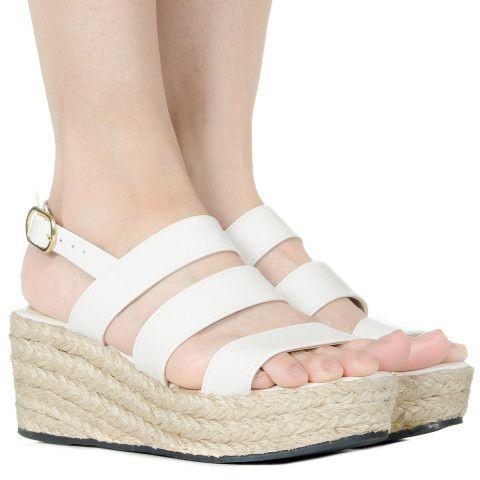 Espadrille off white de verniz Taquilla - Taquilla: Calçados femininos online