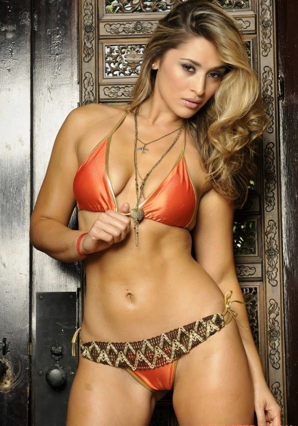 Melanie Tillbrook Orange Bikini Cameltoe Photoshoot