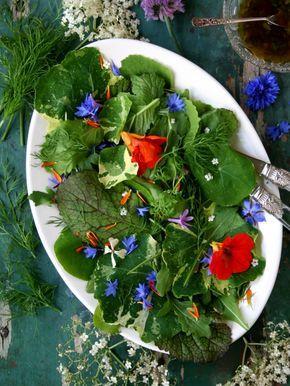 Salade van eetbare bloemen en kruiden van Greendelicious