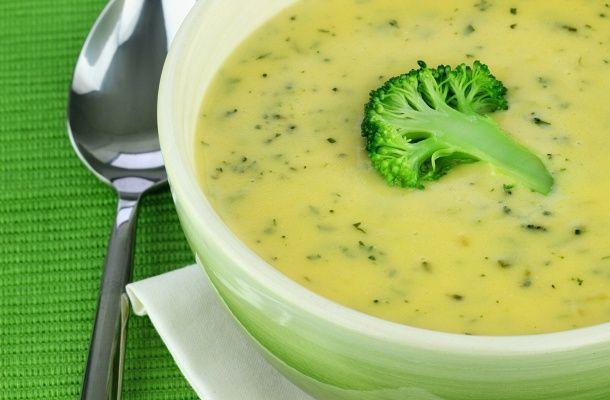 A tejszínes brokkolikrémleves elronthatatlan, ronda őszi időben igazi test- és lélekmelegítő.