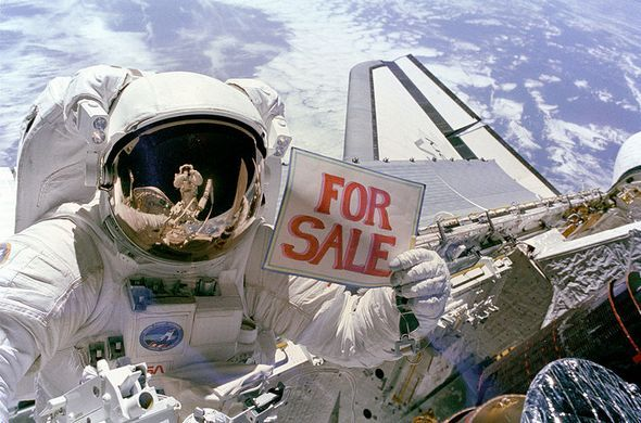 FIVE COMPANIES THAT WANT TO PUT YOU IN OUTER SPACE -- With the US forcing spaceflight away from the glory days of the NASA missions and towards the cold, calculating bosom of the private sector, there's a new space race among companies to put the adventurous (and also very wealthy) on the ride of their lives. So for the millionaires who do most of their research on list-based internet humor sites, WeirdWorm offers a primer of the companies that want to put you into space.