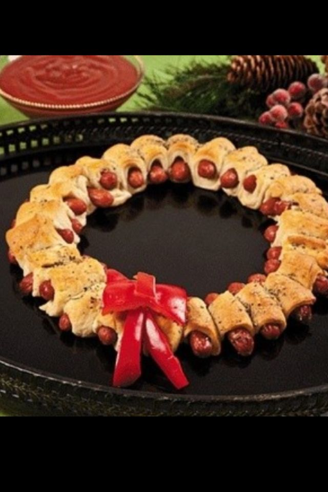 Holiday food! #christmas #wreath getfork.com