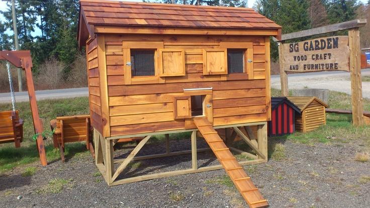 chicken coop / poulailler    made by / fait par:  SG Garden woodcraft & furniture