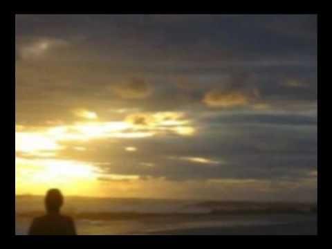 """▶  de vez en cuando la vida toma conmigo un cafe...Juan Manuel Serrat- """"De vez en cuando la vida"""""""