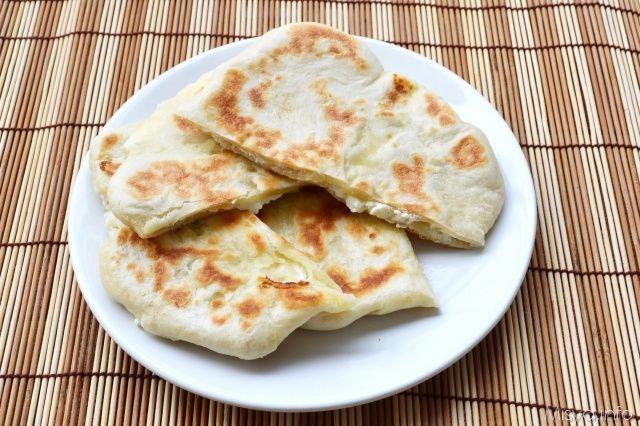 Pane naan al formaggio, scopri la ricetta: http://www.misya.info/ricetta/pane-naan-al-formaggio.htm