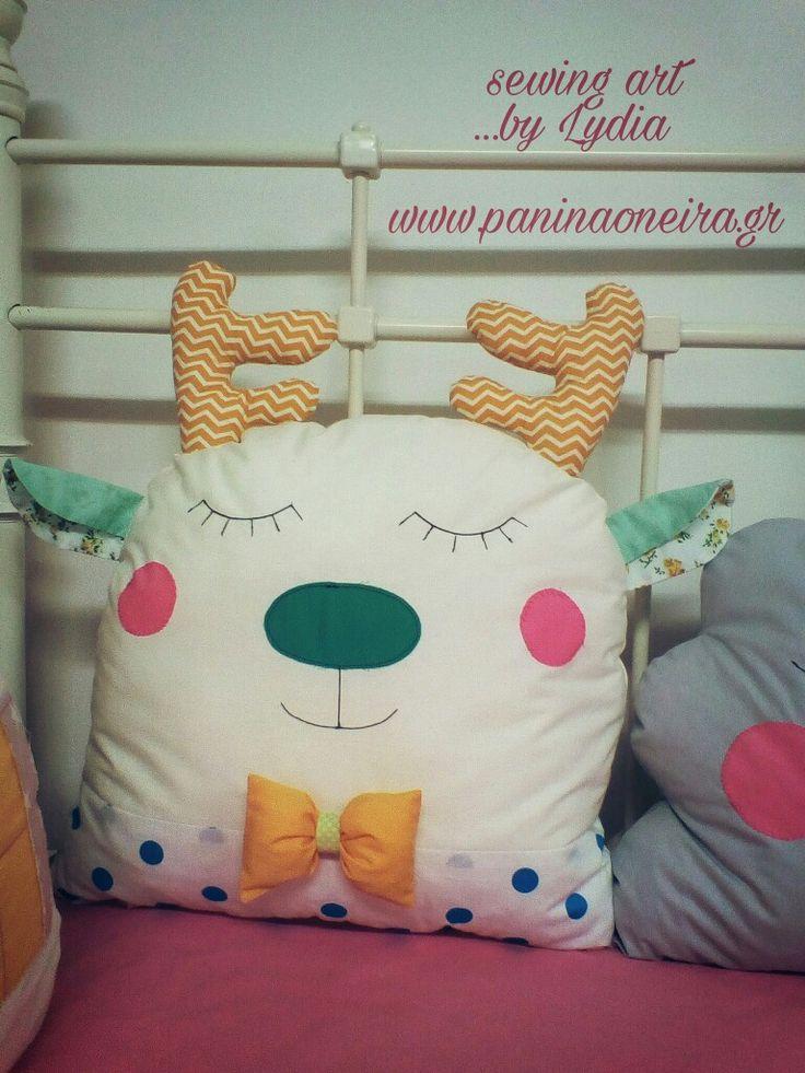 Handmade deer pillow for baby's bed!! @paninaoneira