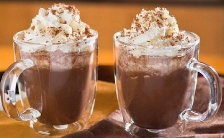 Cioccolata calda con nutella e panna