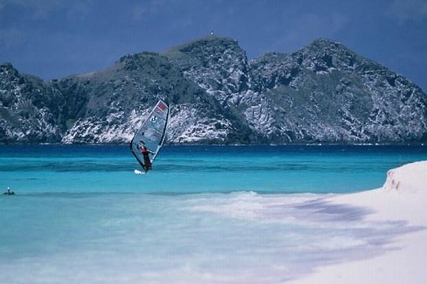 Tre giorni di divertimento per gli amanti degli sport acquatici. http://www.nuvolari.tv/acqua/open-water-chellenge-2012