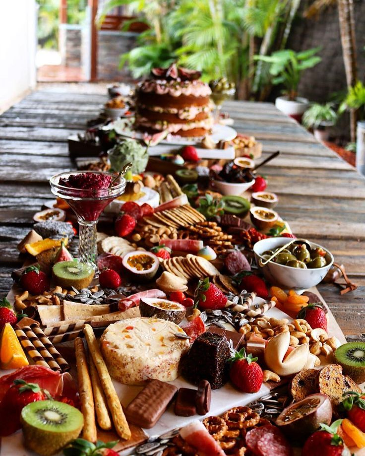 This grazing table via @yourplattermatters is exceptional! Literally how heaven looks like on earth!