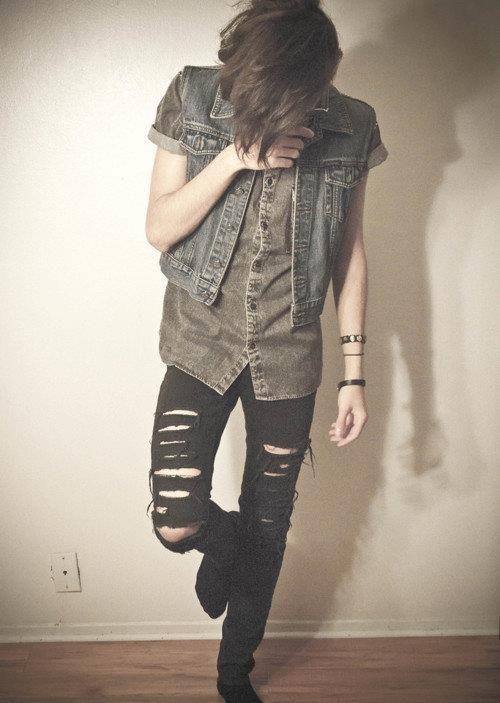 dark jeans + short button down + denim vest + boots, definitely how to layer denim, always have black jeans it seems (androgynous, tomboy, fashion)