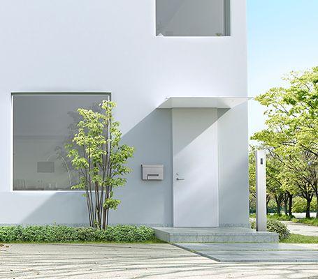 シンプルな美しさを追求した玄関ドア