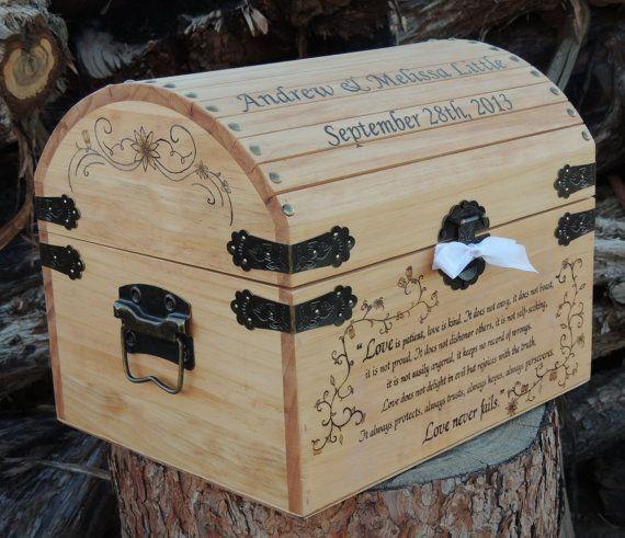 Time Capsule de mariage / mémoire / souvenir / carte boîte bois brûlé Pyrogravure personnalisé