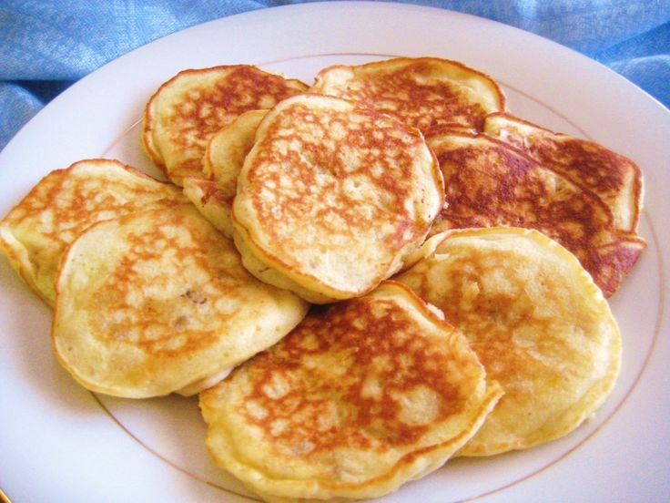 Banana Pancakes with Bisquick - YUM! Little boy loved them, I made them using homemade bisquick!