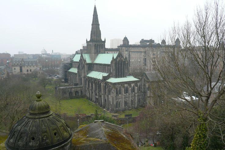 njellis - Looking Over St. Mungo's Cathedral. Глазго, Шотландия