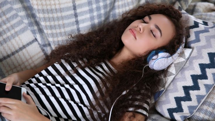 8 Sleep Podcasts To Listen To When It's 2 AM & You're Still Wired AF – Crystal Koga