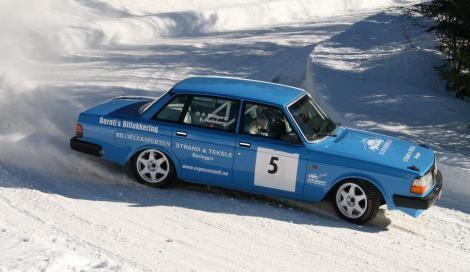 Volvo 240 rally car