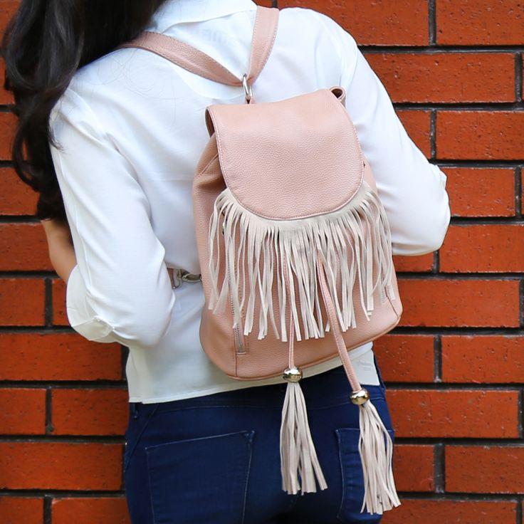 Birbirinden farklı moda çantalar delisiyim.com'da! http://www.delisiyim.com/b831-pudra-puskullu-sirt-cantasi