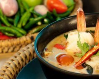 Bouillon de la mer aux épices : http://www.fourchette-et-bikini.fr/recettes/recettes-minceur/bouillon-de-la-mer-aux-epices.html