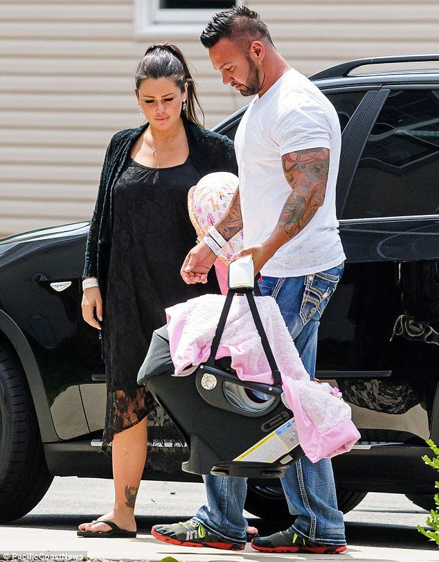 Jenni 'JWoww' Farley and fiance Roger Mathews bring baby Meilani home from the hospital http://dailym.ai/1p8KexB