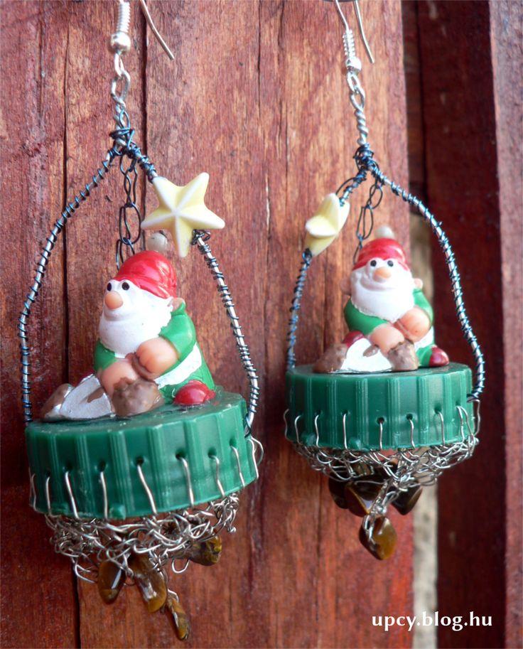 One and only earring, old toy, bottle cap, minerals. Charity project.  A Kössünk Össze jótékonysági vásárra készült teljesen egyedi fülbevaló régi játékok, kupak és ásványok felhasználásával.