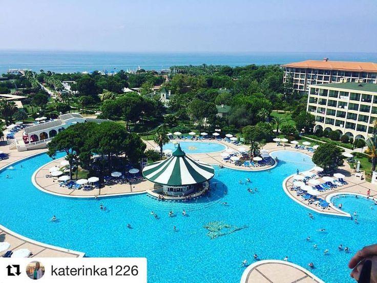 The perfect view, art, conceptual service, sun and more... This is #perfectholiday . Thanks a lot to our guest @katerinka1226 for lovely shot. Muhteşem #manzara, sanat, konsept hizmet, güneş ve fazlası.. İşte #harikatatil. Bu güzel paylaşımı için @katerinka1226 isimli misafirimize teşekkür ederiz. #antalyatime #holidayatvenezia #feelthepalace #fun #beachlove #instaholiday #photooftheday #turkeyresorts  www.veneziapalace.com