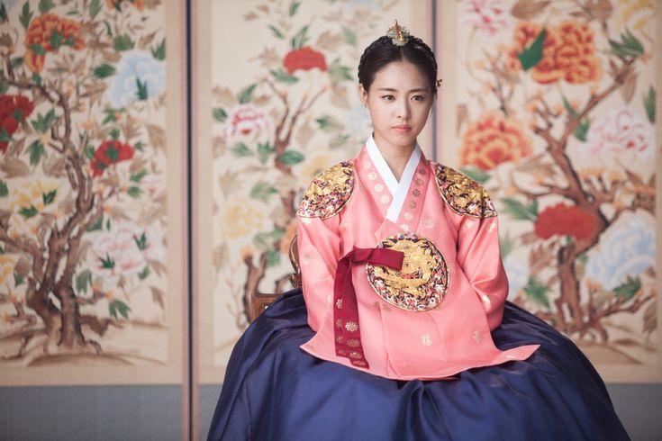 Lee Yeon Hee Hwajung