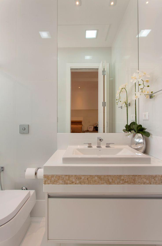 Banheiro, Branco, Bege, Pastilhas, Espelho  Banheiros  Bathroom  Pinterest -> Decoracao De Banheiro Com Pastilhas Bege