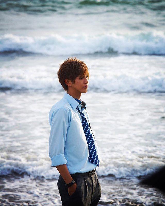 WEBSTA @ ryota_katayose__official - SPEEDSTER東京公演初日‼️‼️本日も会場外の特設ブースにて兄こまの限定お兄ムビチケ販売⤴️⤴️⤴️販売はあとこの2日間のみの限定なので是非この機会にお買い求め頂きたいです✨#兄こま#兄に愛されすぎて困ってます