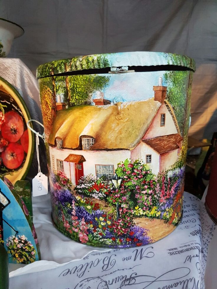 Country cottage flour bin