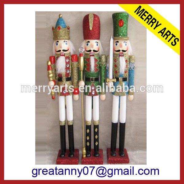 2015 Design Zhejiang Factory custom outdoor 6ft 180cm large christmas wooden figurine nutcracker for sale