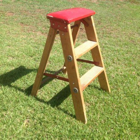 Wooden 2 step Ladder for sale Linden - image 1
