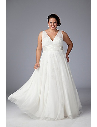 A gorgeous v-neck Sydney's Closet wedding gown ... absolutely love the princess style skirt! #bride