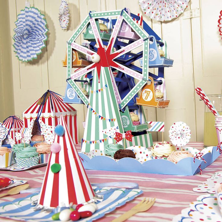 Another example of a cupcake ferris wheel.