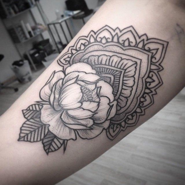 #tattoo #peony #peonytattoo #ornament #blackart #blxckink #blackworkers #blackworkerssubmission #tabuns #alextabuns #vbiproteam #vladbladirons #vladbladneedles