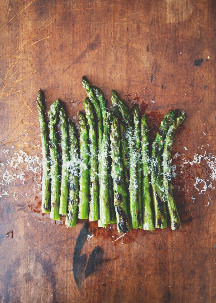 Grilled asparagus with chili & truffle oil