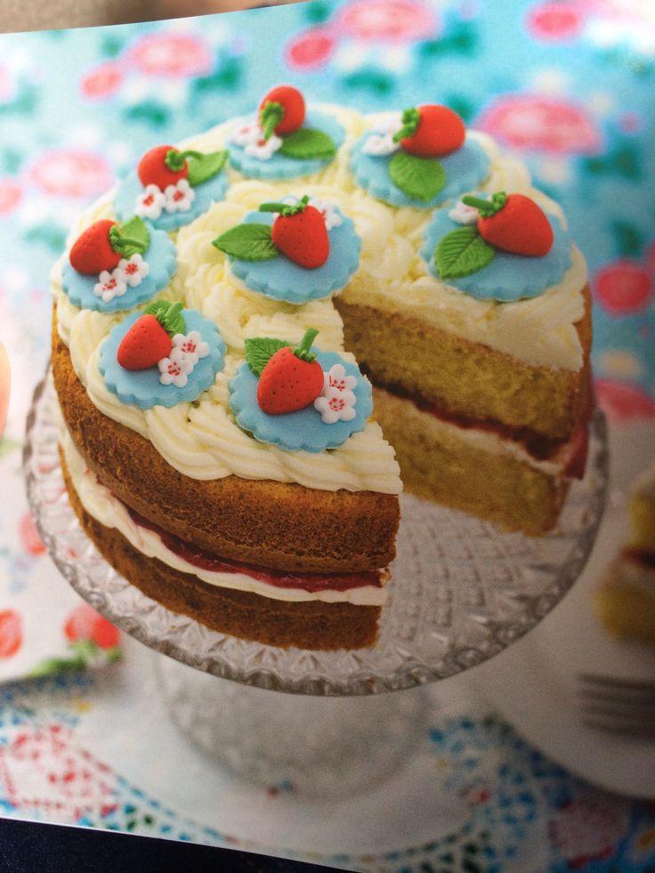 strawberry victoria sponge decoration idea cake