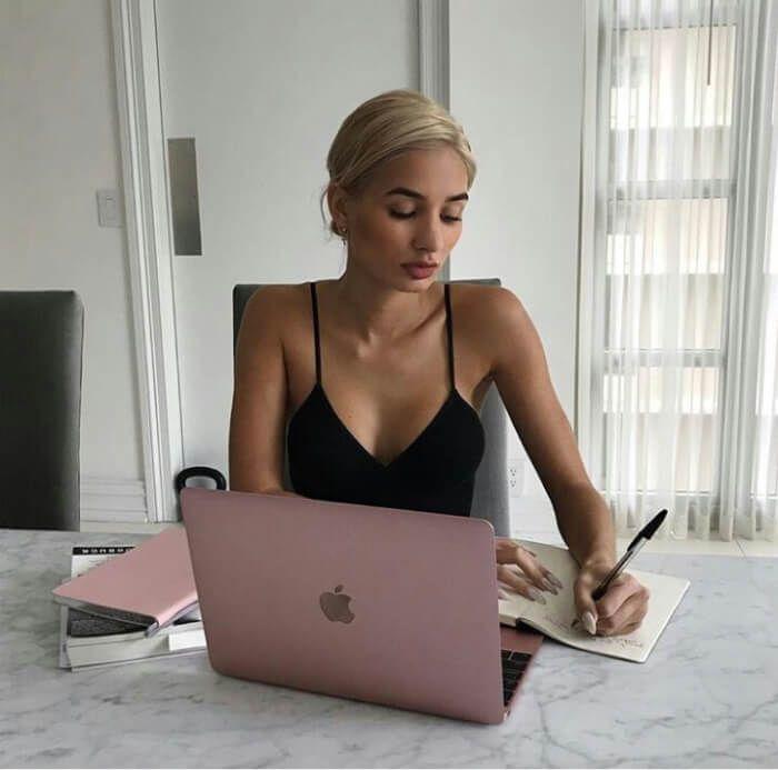Девушке хорошей работы работа по веб камере моделью в новочебоксарск